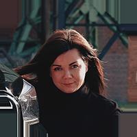 Ksenia, Fahrlehrerin